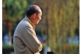 老人万元被骗,秦凯私家侦探能否主持公道?